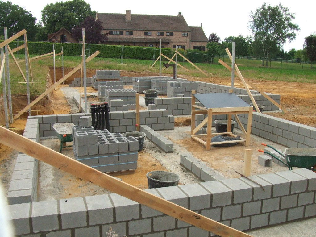 Construction d 39 une maison neuve unifamiliale lasne for Construction piscine brabant wallon